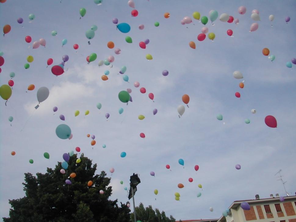 I palloncini salgono in alto