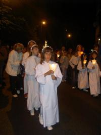 Processione-per le vie del quartiere13