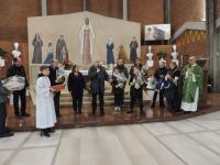 I premiati con Padre Antonello, Roberta e la Commissione Presepi
